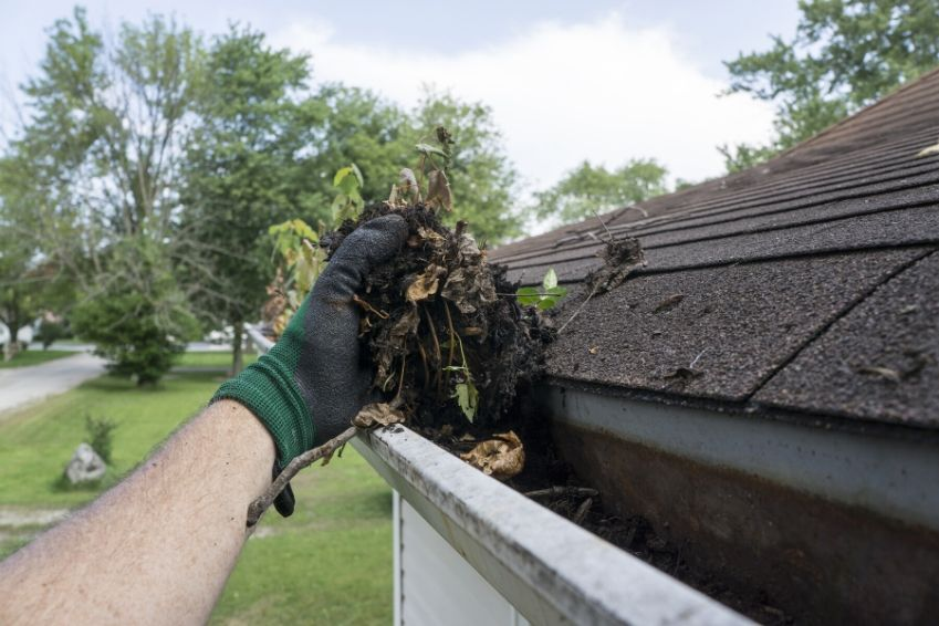 Factors That Determine Gutter Cleaning Prices